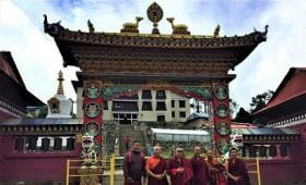 khumjung monastery is similar to this tengboche monastery in many ways
