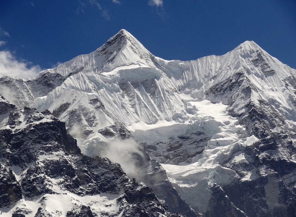kanchenjunga-circuit-trekking-1024x752-1