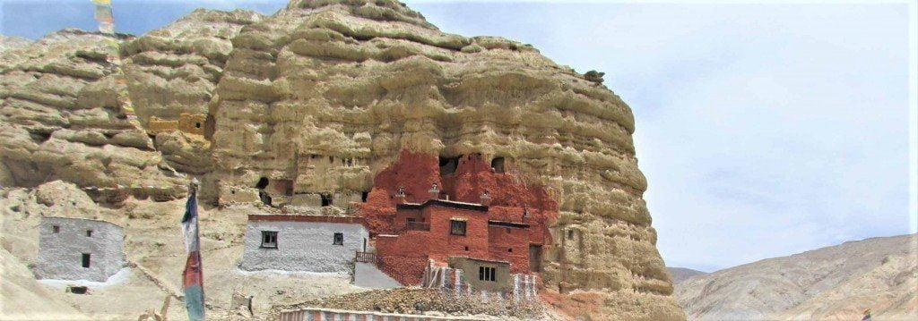 upper-mustang-valley-in-nepal-trek-nepal-in-july-22-1024x359-1