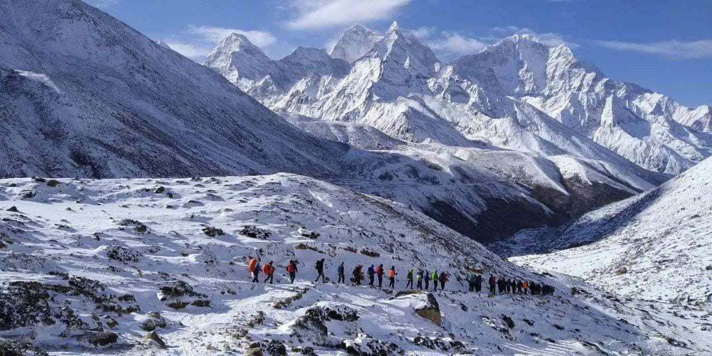 everest-trekking-1-1024x512-1
