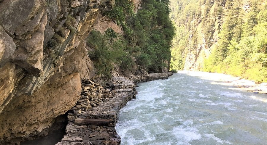 trekking trail of lower dolpo region