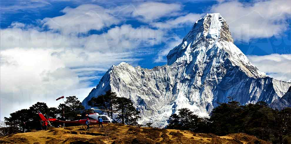 Breakfast break point for everest base camp helicopter luxury tour package
