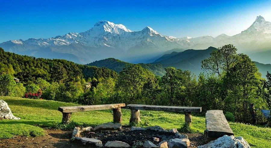 beautiful Himalaya, natural seats and the green jungle makes complete poonhill ghandruk trek